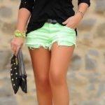 Şort Kombinleri Yeşil Kısa Şort Siyah Omzu Açık Uzun Kollu Bluz