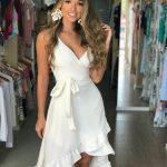 Fırfırlı Elbise Beyaz Midi Askılı V Yakalı Belden Kumaş Bağcıklı