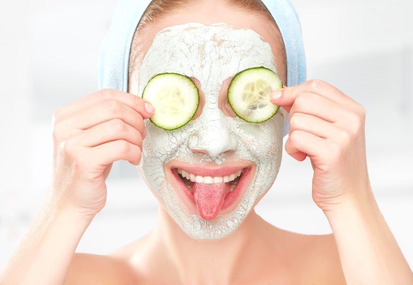 Cilt tonunu açmak için Salatalık limon maskesi