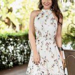 Desenli Elbise Modelleri Krem Kısa Halter Yaka Kuş Desenli