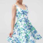 2019 Günlük Elbise Modelleri Beyaz Kısa Askılı Geniş yaka Kloş Etek Çiçek Desenli