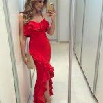 Fırfırlı Elbise Kırmızı Uzun Askılı Önden Yırtmaçlı