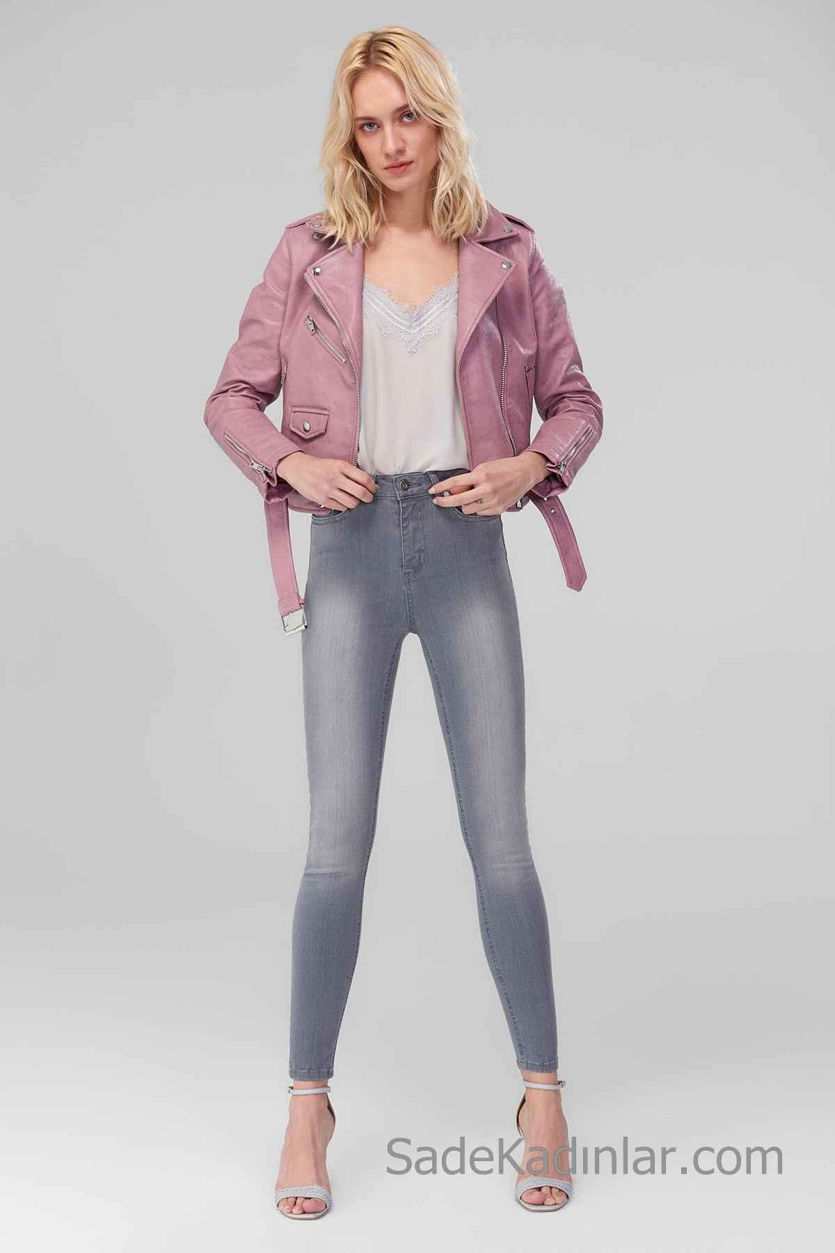 Pantolon Kombinleri Gri Yüksel Bel Pantolon Gri V Yakalı Bluz Pembe Kısa Deri Ceket