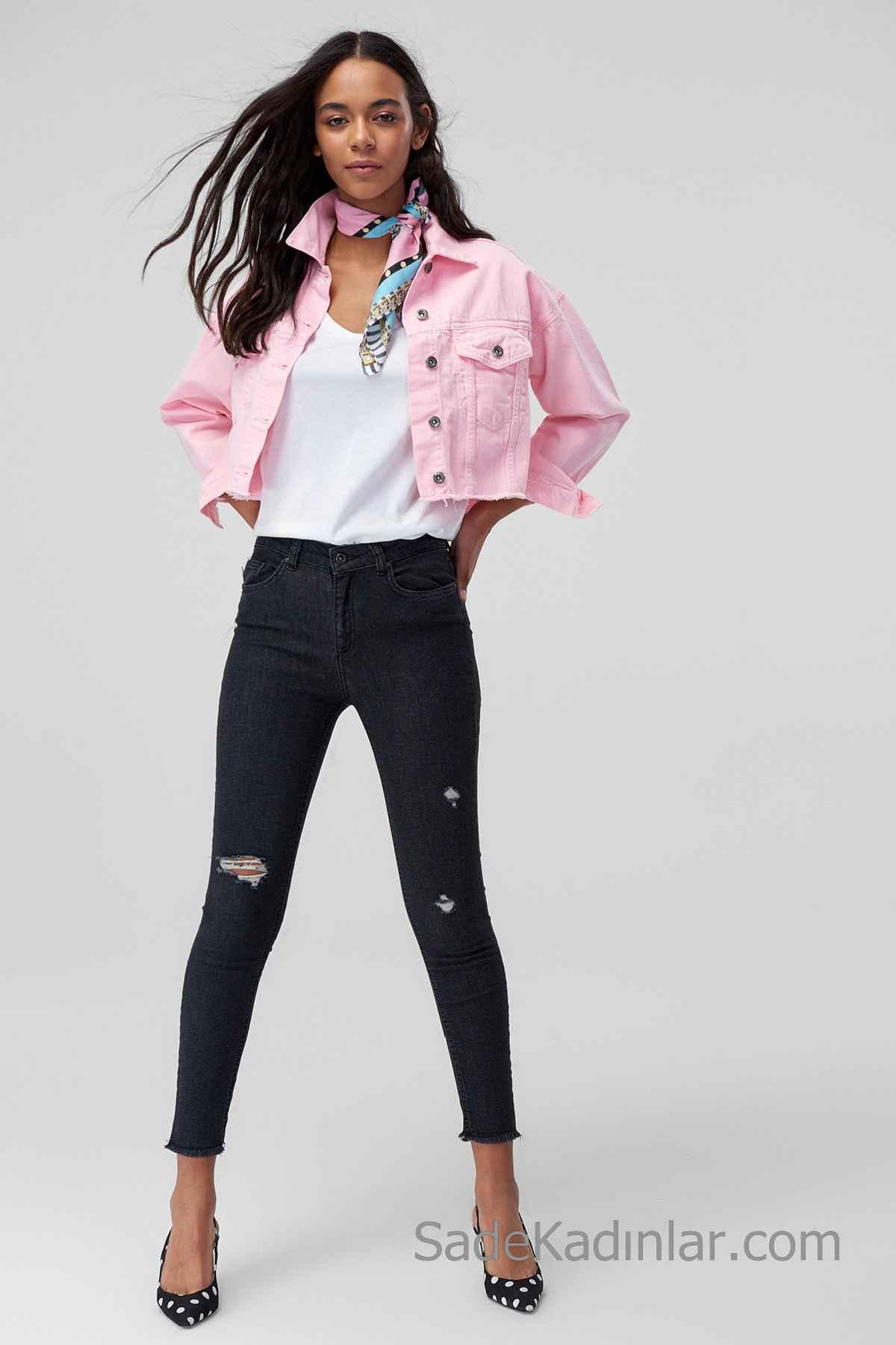 Pantolon Kombinleri Siyah Yırtık Pantolon Beyaz V Yaka Bluz Pembe Kısa Ceket