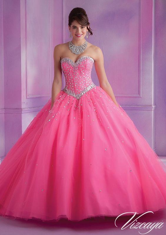 e0a1d01be259a Prenses Model Abiye Pembe Uzun Straplez Kalp Yakalı Taş İşlemeli