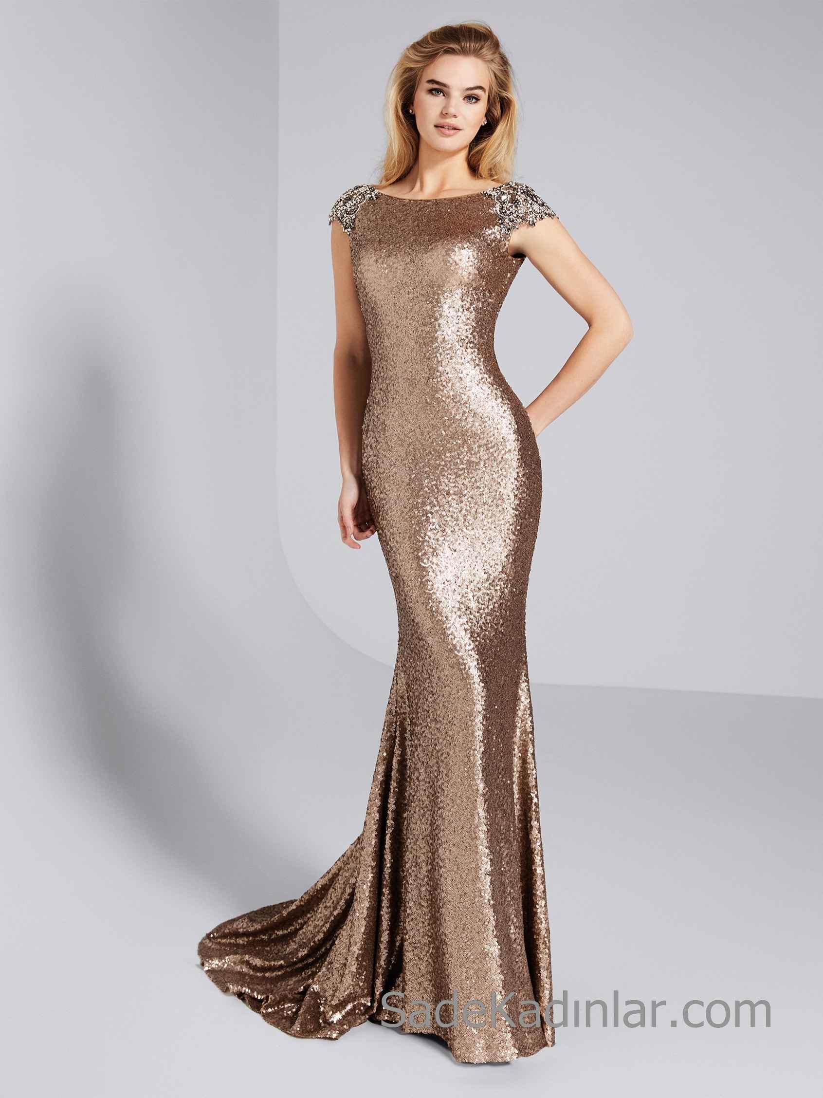 f254e9e3897c3 Pronovias 2019 Abiye Elbise Modelleri Gold Uzun Balık Kısa Kollu Kayık Yaka  Payetli İşlemeli. «