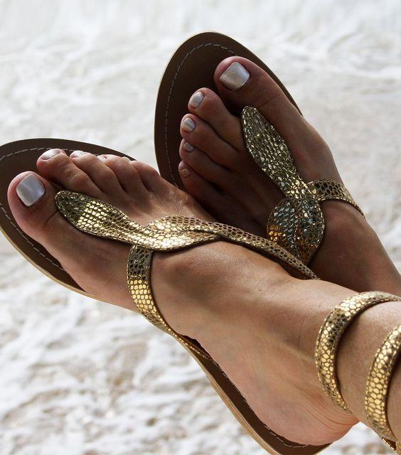 Sandalet Modelleri Gold YılanFigürlü Bilekten Bağlamalı