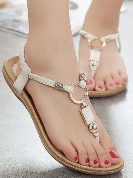 2020 Sandalet Modelleri Krem Parmak Arası Halka Süslü Tokalı
