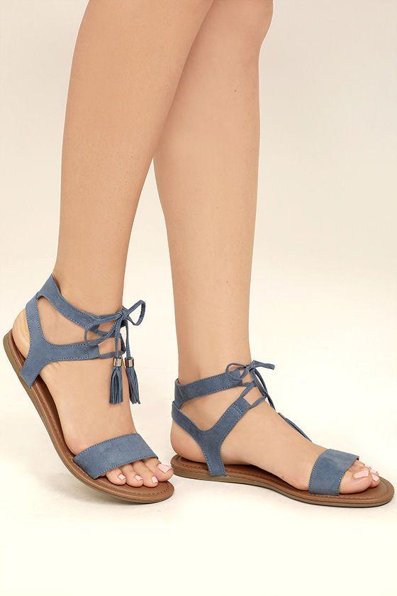 Sandalet Modelleri Mavi Kemerli Önden Bağcıklı Püsküllü