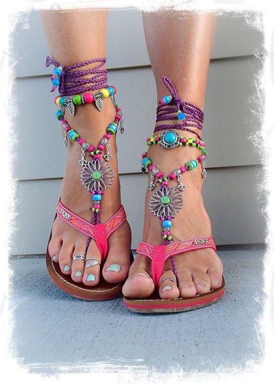 Sandalet Modelleri Pembe Parmak Arası Boncuklu Bilekten İp Bağcıklı