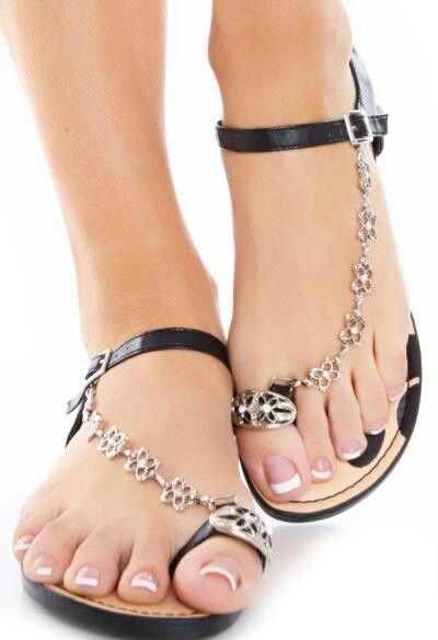 Sandalet Modelleri Siyah Metal Kelebek Zincir Tokalı