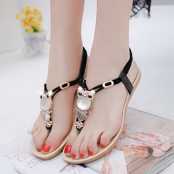 Sandalet Modelleri Siyah Parmak Arası Baykuş Figürlü Tokalı