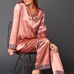 Saten Pijama Takımları Somon Uzun Kollu Yakalı Güpür Dantel Detaylı