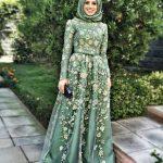 2019 Tesettür Abiye Modelleri Yeşil Uzun Tül Etekli Çiçek Desenli