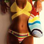 Örgü Bikini Modelleri Sarı Çapraz Bantlı Alt Kısmı Renk Bloklu