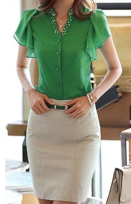Bayanlar İçin Yazlık Şifon Gömlek Modelleri Yeşil V Yakalı Kısa Fırfırlı Kol Düğmeli