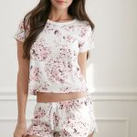 Şortlu Pijama Takımları Beyaz Kısa Kollu Desenli Bağcıklı Göbek Açık