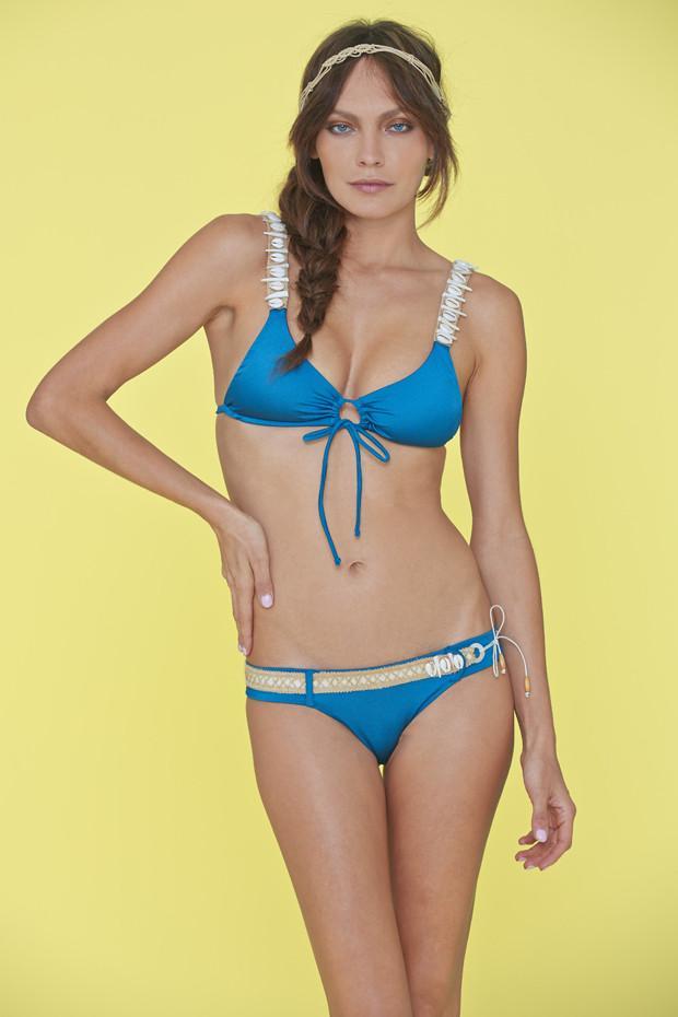 En Güzel 2020 Bikini Modelleri Mavi Askılı Göğsü Bağcıklı Askıları Desenli