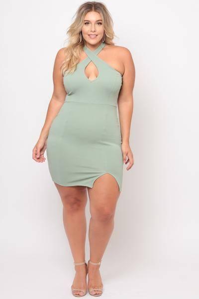 2019 Büyük Beden Yazlık Elbise Modelleri Yeşil Kısa Çapraz Halter Yaka Önden Küçük Yırtmaçlı
