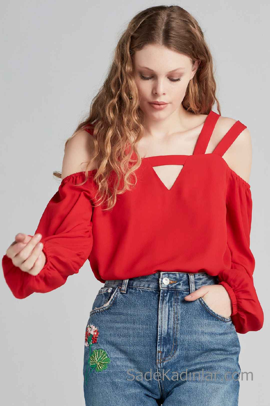 2020 Kırmızı Bluz Modelleri Omzu Açık Askı Detaylı Düşük Kollu
