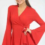 2020 Kırmızı Abiye Bluz Modelleri Uzun İspanyol Kollu Kruvaze Yaka Bağlamalı