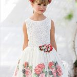 10 Yaş 2020 Kız Çocuk Abiye Elbise Modelleri Beyaz Kısa Kolsuz Güpür Dantelli Desenli