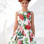 10 Yaş 2020 Kız Çocuk Abiye Elbise Modelleri Beyaz Kolsuz Kayık Yaka Desenli Kloş Etekli