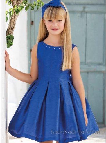 Kız Çocuk Abiye Elbise Modelleri Lacivert Kısa Saten Kolsuz Kalın Pileli Etek