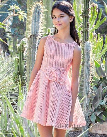Kız Çocuk Abiye Elbise Modelleri Pembe Kolsuz Belinde Kumaş Çiçekli Kloş Etek