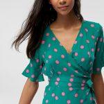 Kruvaze Bluz Modelleri Yeşil V Yakalı Kısa Kol Puantiyeli Bağcıklı