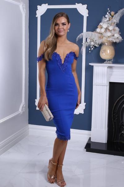 2020 Saks Mavi Elbise Modelleri Midi Omzu Açık Düşük Kol Dantel Detaylı