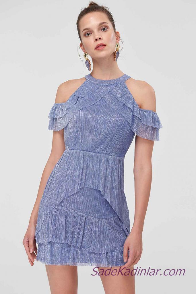 2021 Abiye Elbise Modelleri Mavi Kısa Omuzlar Açık Fırfır Detaylı