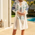 Bohem Elbise Modelleri Beyaz Kısa Uzun Kol Bağcıklı Geniş Yaka Nakış İşlemeli