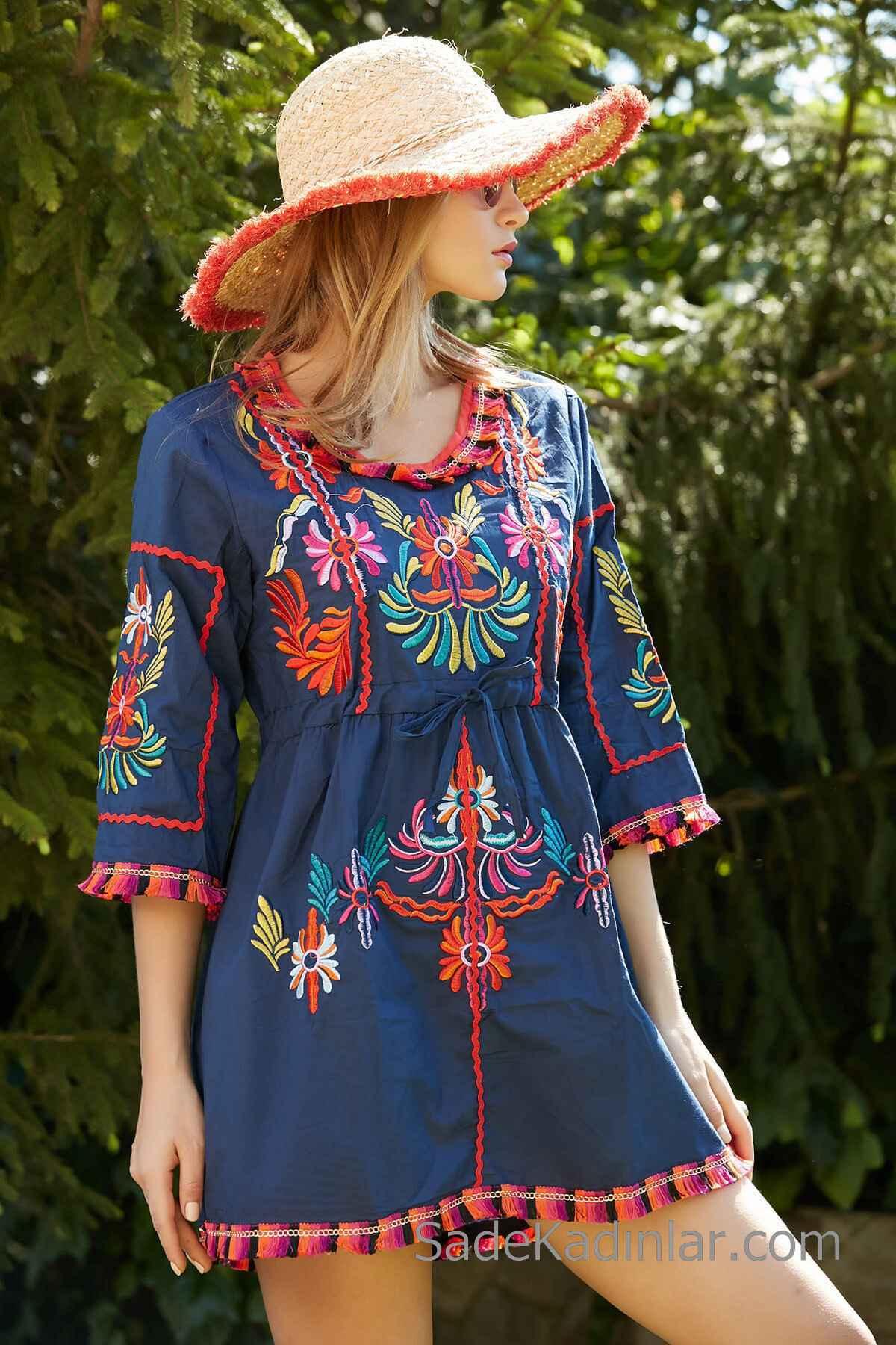 Bohem Elbise Modelleri Lacivert Kısa Geniş Yaka Kısa Kol Püskül Detaylı