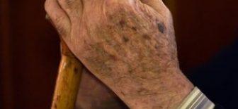 Alzheimer Hastalığı Belirtileri ve Nedenleri Nelerdir?