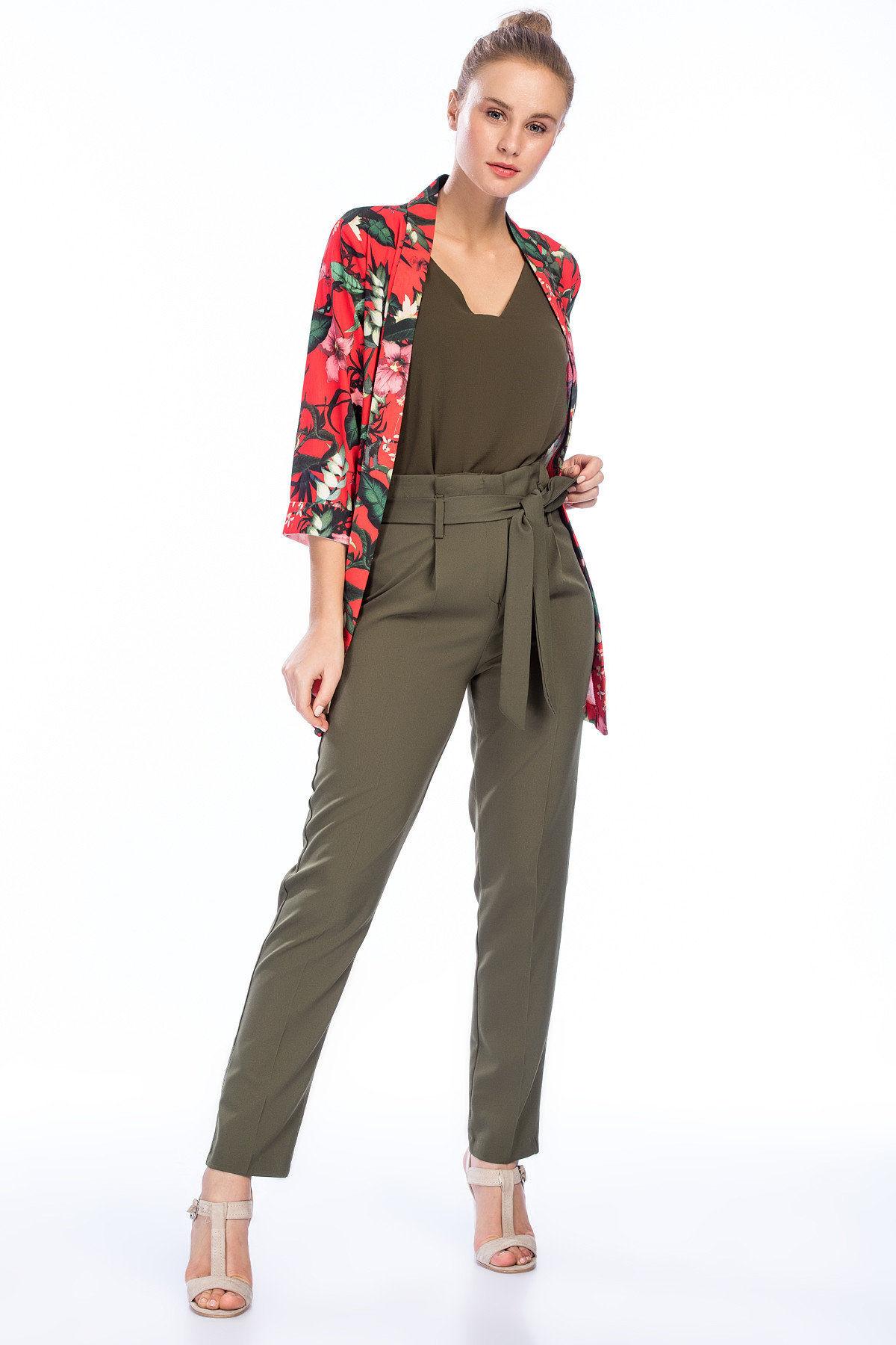 2019 Bayan Kombinleri Haki Beli Kumaş Bağcıklı Pantolon Haki Bluz Kırmızı Desenli Ceket