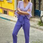 2019 Şık Kombinler Mor Bol Kesim Beli Kuşaklı Pantolon Lila Yetim Kol Kruvaze Yaka Bluz