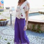2019 Şık Kombinler Mor Capri Dantel Detaylı Pantolon Krem Omzu Açık Desenli Gömlek