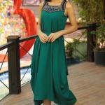 Asimetrik Elbise Modelleri Yeşil Kalı Askılı Kolsuz Yakası İşlemeli