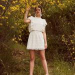 En Güzel 2020 Beyaz Elbise Modelleri Kısa Kolsuz Kapalı Yaka Dantel Fırfır Detaylı