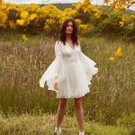 En Güzel 2020 Beyaz Elbise Modelleri Kısa Uzun İspanyol Kollu V Yakalı Düğme Detaylı