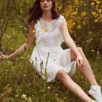 En Güzel 2020 Beyaz Elbise Modelleri Kısa Yuvarlak Yaka Japone Kol Fırfır Detaylı