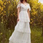 En Güzel 2020 Beyaz Elbise Modelleri Uzun Askılı Düşük Kol Fırfır Detaylı Katmanlı Etek