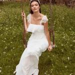 En Güzel 2020 Beyaz Elbise Modelleri Uzun Askılı Katlamalı Yaka Askıları Dantelli