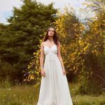 En Güzel 2020 Beyaz Elbise Modelleri Uzun Askılı V Yakalı Yanlar Dekolteli