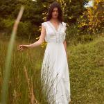 En Güzel 2020 Beyaz Elbise Modelleri Uzun V Yakalı Güpür Dantel Detaylı