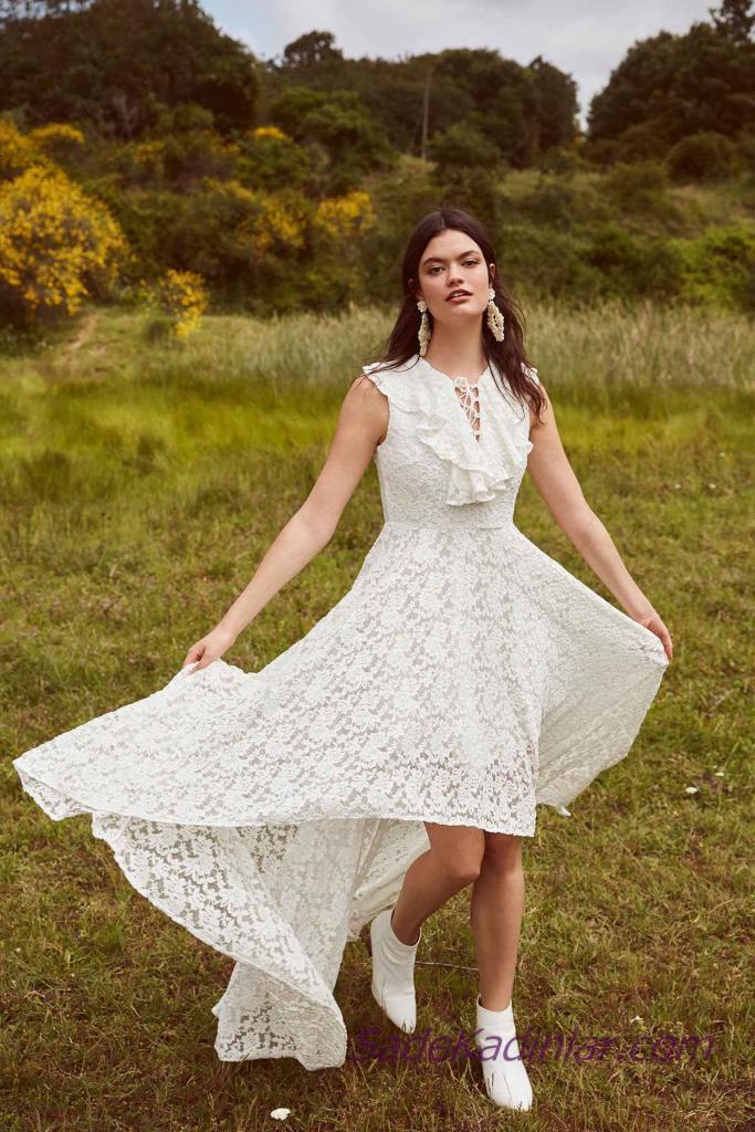 En Güzel 2019 Beyaz Elbise Modelleri Ön Kısa Arkası Uzun Kolsuz Bağcıklı Yaka Dantel