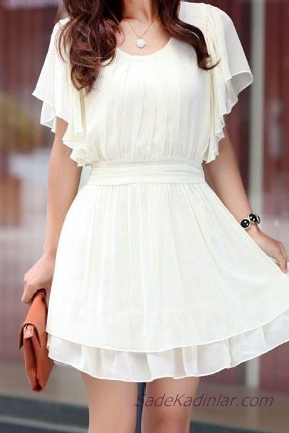 Beyaz Şifon Elbise Modelleri Kısa Geniş Yaka Kısa Kollu Fırfır Detaylı
