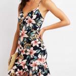 Mini Gece Elbise Modelleri - Lacivert Kısa Askılı V Yakalı Fırfırlı Çiçek Desenli