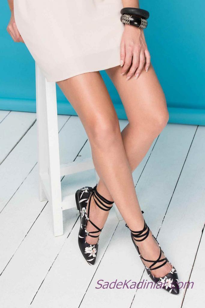 Siyah Babet Modelleri Ön Kapalı Beyaz Çiçek Desenli Çapraz Bağcıklı